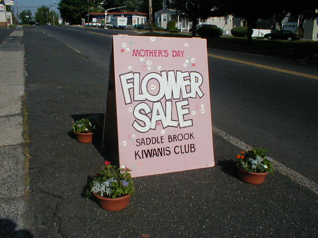 FLOWER SALE SIGN